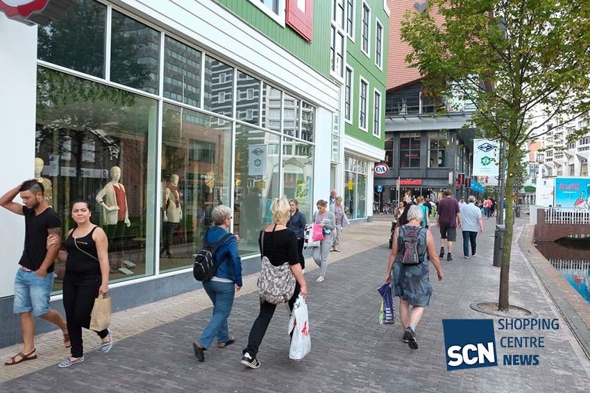 Nederlanders shoppen liever in winkelstraat dan online